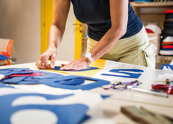 produzione borse artigianali - selezione dei materiali