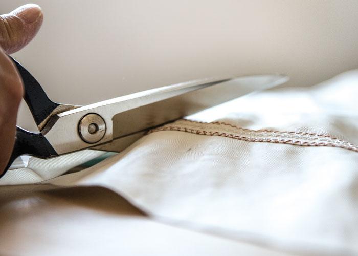 produzione borse artigianali - taglio delle vele